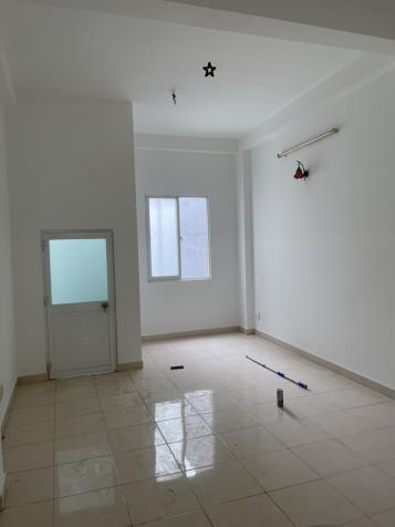 Nhà mặt tiền đường Lê Thiệt, mới 99%, giá 13 triệu 13809720