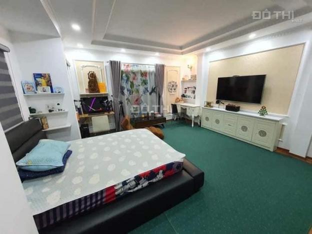Bán nhà Quận Hoàn Kiếm - Lô 2 góc thoáng - Ngay gần hồ - cách phố 20m - tặng toàn bộ nội thất 13681132