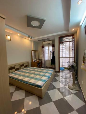 Nhà đẹp giá rẻ Nguyễn Ngọc Vũ diện tích 45m2 5 tầng mặt tiền 3.5m giá đàm phán 5.6 tỷ 13689467