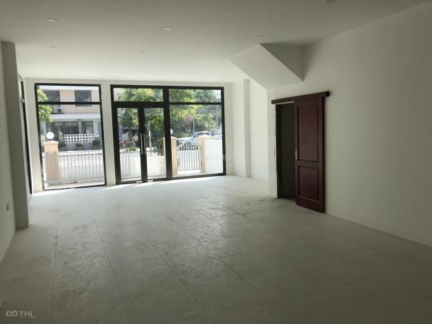 Cần cho thuê biệt thự Dương Nội. Đã hoàn thiện bên trong có đầy đủ điều hòa 13693787