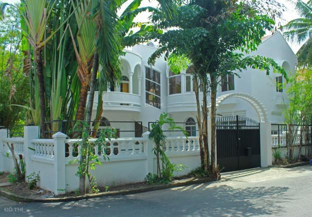 Biệt thự cho thuê Số 55, Thảo Điền, Q2, DT: 430m2, giá 60 triệu/th, LH 0903652452 Mr. Phú 13713411