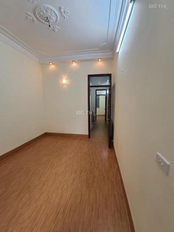 Chính chủ cần bán gấp nhà riêng Giáp Bát - gần Giải Phóng, DT 38m2, 4PN, có 1 không 2, sổ đỏ CC 13715422