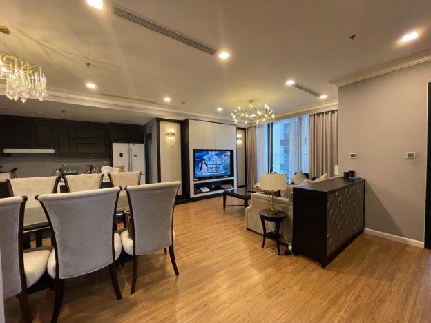 Cho thuê căn hộ 3 phòng ngủ, 110m2 chung cư Vinhomes Metropolis, đầy đủ nội thất, mới 100% 13739114